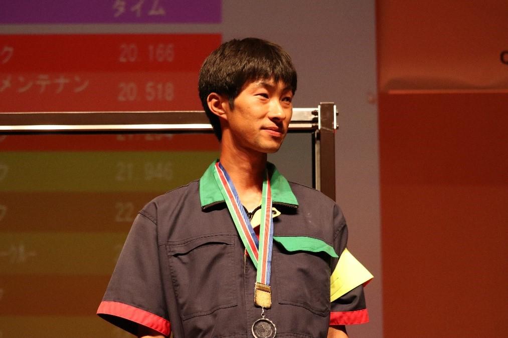 第18回日本ガラスクリーニング選手権全国大会2大会連続出場決定!